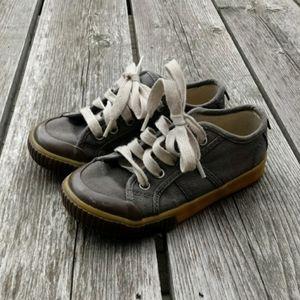 Gap Kids Boys size 11 toddler canvas shoes